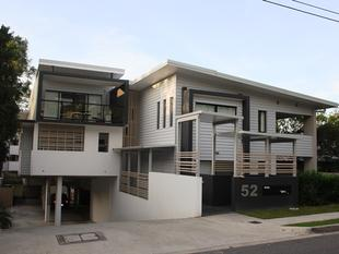 Spacious, clean, open and classy - Taringa