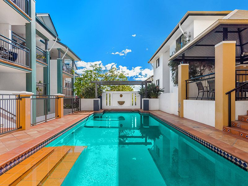 32 2 st pauls terrace spring hill qld rental apartment