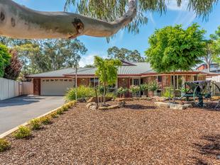 OUTSTANDING FAMILY PROPERTY! - Williamstown