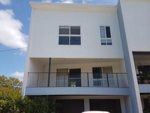 EXECUTIVE TOWNHOUSE FOR RENT - Tannum Sands