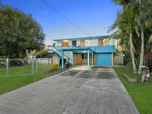 BUY THE BAY RIPE FOR RENOVATION!! - Deception Bay