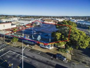 Shopping Centre with Rooftop Carpark - Papakura