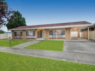 Nothing-to-do 3 Bedroom on generous 630SQM Block(Approx) - Sunshine West