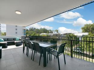 STUNNING APARTMENT WITH HUGE BALCONY!! - Eight Mile Plains