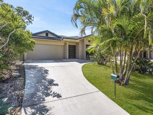 Modern family home! - Tweed Heads South