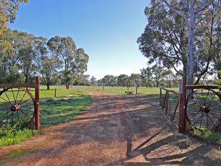 PRIME REAL ESTATE  ZONED GENERAL RURAL - Bullsbrook