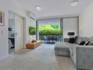 Superb North-East Facing Ellington Residence - Teneriffe