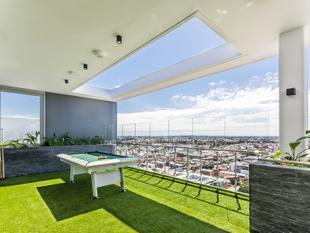 THE ULTIMATE CITY LIVING!! MAKE THIS YOUR OWN TODAY!! - Perth