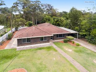 5 Bedroom Home on 1,831 m2 of Prime Real Estate! - Bellbird Park