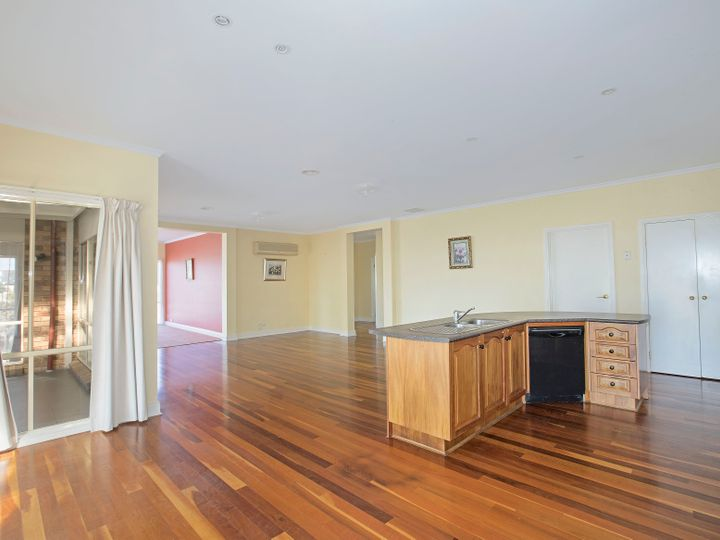 20 Viewbank Rise, Lovely Banks, VIC