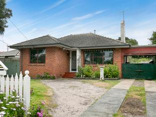 Exciting starter with ensuited bungalow - Frankston North