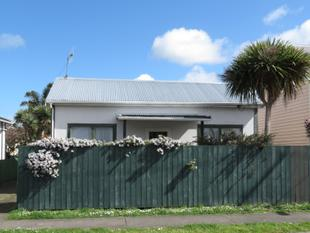 3 Bedroom Do-Up - City Centre - Wanganui City Centre