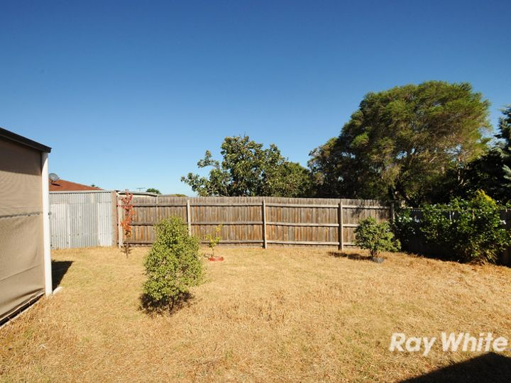 5 Juniper Court, Frankston North, VIC