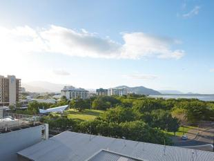 Spectacular & Spacious unfurnished 2 bedroom unit overlooking Cairns Harbour - Cairns City