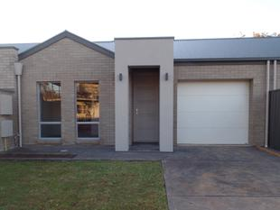 NEAR NEW EASY CARE LIVING - Edwardstown