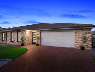 MODERN LIVING IN PEACEFUL LOCALE - Redland Bay