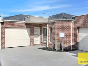 Brand New Home - Close to Everything - Tarneit