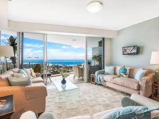 Spectacular Beachfront apartment with expansive ocean views. - Maroochydore