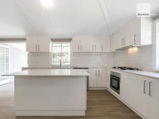 In the Heart of Everything - Newly Renovated Queenslander - Indooroopilly
