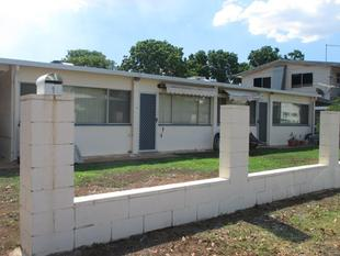 2 Bedroom unit with a Shed.... - Mount Isa